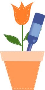 Blumen bewässern mit Flasche