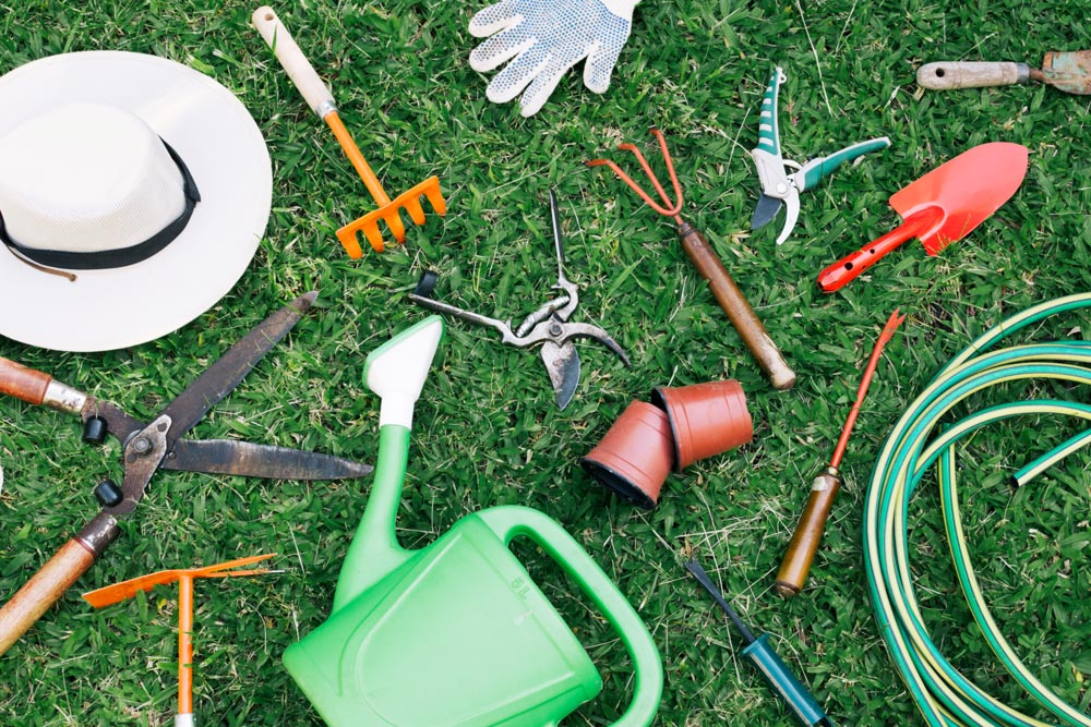 Gartenutensilien fürs Rasen Aerifizieren